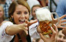 Tres efectos sexuales positivos que la cerveza produce en los hombres